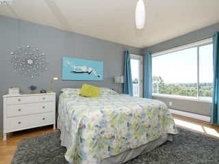 Photo 12: 1337 Tolmie Avenue in VICTORIA: Vi Mayfair Single Family Detached for sale (Victoria)  : MLS®# 410456