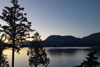 Photo 3: 6164 POISE ISLAND Drive in Sechelt: Sechelt District House for sale (Sunshine Coast)  : MLS®# R2372407