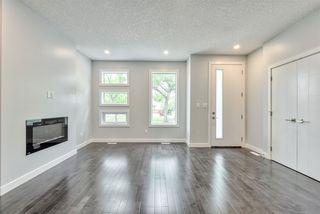 Photo 3: 9153 74 Avenue in Edmonton: Zone 17 House for sale : MLS®# E4160432