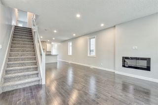 Photo 4: 9153 74 Avenue in Edmonton: Zone 17 House for sale : MLS®# E4160432