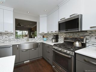 Photo 7: 62 118 Aldersmith Pl in VICTORIA: VR Glentana Row/Townhouse for sale (View Royal)  : MLS®# 817388
