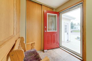 Photo 2: 4520 35 Avenue in Edmonton: Zone 29 House for sale : MLS®# E4162636