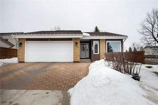 Photo 1: 3 Leamington Gate in Winnipeg: Whyte Ridge Residential for sale (1P)  : MLS®# 202006680