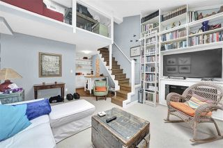 """Photo 10: PH4 2410 CORNWALL Avenue in Vancouver: Kitsilano Condo for sale in """"Spinnaker"""" (Vancouver West)  : MLS®# R2465587"""