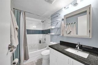 "Photo 25: PH4 2410 CORNWALL Avenue in Vancouver: Kitsilano Condo for sale in ""Spinnaker"" (Vancouver West)  : MLS®# R2465587"