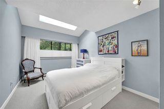 "Photo 21: PH4 2410 CORNWALL Avenue in Vancouver: Kitsilano Condo for sale in ""Spinnaker"" (Vancouver West)  : MLS®# R2465587"
