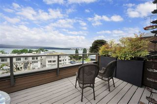 "Photo 18: PH4 2410 CORNWALL Avenue in Vancouver: Kitsilano Condo for sale in ""Spinnaker"" (Vancouver West)  : MLS®# R2465587"