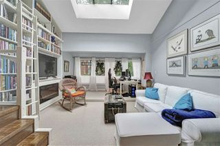 "Photo 13: PH4 2410 CORNWALL Avenue in Vancouver: Kitsilano Condo for sale in ""Spinnaker"" (Vancouver West)  : MLS®# R2465587"