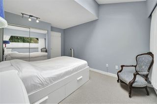 "Photo 23: PH4 2410 CORNWALL Avenue in Vancouver: Kitsilano Condo for sale in ""Spinnaker"" (Vancouver West)  : MLS®# R2465587"