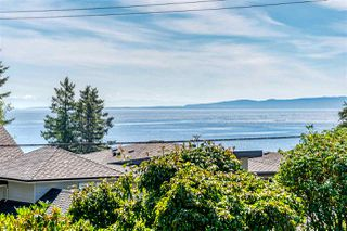 Photo 17: 13419 MARINE Drive in Surrey: Crescent Bch Ocean Pk. House for sale (South Surrey White Rock)  : MLS®# R2492166