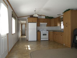 Photo 3: 24 62780 FLOOD HOPE Road in Hope: Hope Center Manufactured Home for sale : MLS®# R2492298