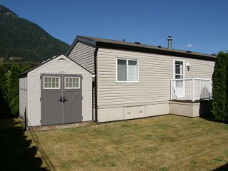 Photo 11: 24 62780 FLOOD HOPE Road in Hope: Hope Center Manufactured Home for sale : MLS®# R2492298