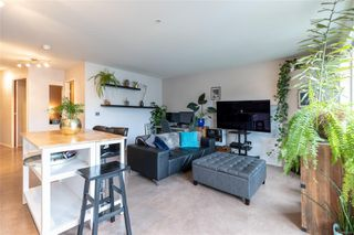 Photo 5: 207 932 Johnson St in : Vi Downtown Condo for sale (Victoria)  : MLS®# 862853
