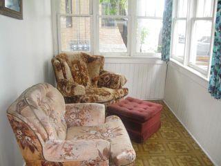 Photo 2: 304 Queen Street in WINNIPEG: St James Residential for sale (West Winnipeg)  : MLS®# 1114667