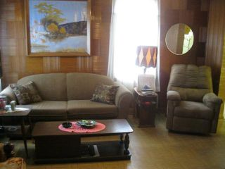 Photo 4: 304 Queen Street in WINNIPEG: St James Residential for sale (West Winnipeg)  : MLS®# 1114667