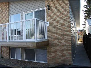 Photo 2: 3 2232 33 Avenue SW in CALGARY: Richmond Park Knobhl Townhouse for sale (Calgary)  : MLS®# C3499475