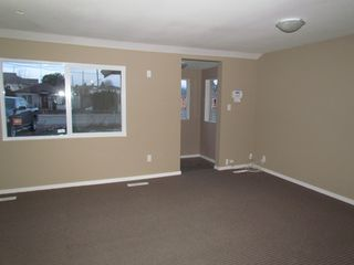 Photo 3: 45610 BERNARD Avenue in CHILLIWACK: House for rent (Chilliwack)