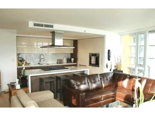 Photo 10: # 301 8 SMITHE ME in Vancouver: Yaletown Condo for sale (Vancouver West)  : MLS®# V985268