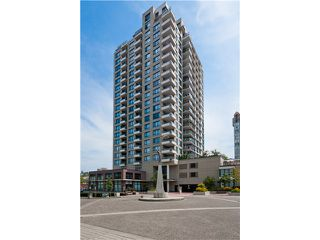 "Photo 1: 2006 1 RENAISSANCE Square in New Westminster: Quay Condo for sale in ""THE Q"" : MLS®# V1043023"