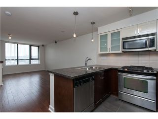 "Photo 8: 2006 1 RENAISSANCE Square in New Westminster: Quay Condo for sale in ""THE Q"" : MLS®# V1043023"