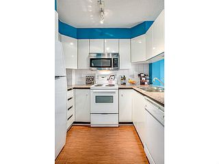 """Photo 6: 1603 1189 HOWE Street in Vancouver: Downtown VW Condo for sale in """"GENESIS"""" (Vancouver West)  : MLS®# V1065396"""