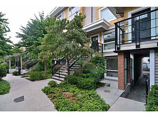 "Photo 2: 33 728 W 14TH Street in North Vancouver: Hamilton Townhouse for sale in ""NOMA"" : MLS®# V1085631"