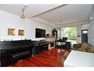 "Photo 3: 33 728 W 14TH Street in North Vancouver: Hamilton Townhouse for sale in ""NOMA"" : MLS®# V1085631"