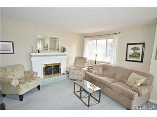 Photo 2: 305 1220 Fort Street in VICTORIA: Vi Downtown Condo Apartment for sale (Victoria)  : MLS®# 349890
