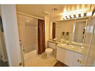 Photo 12: 305 1220 Fort Street in VICTORIA: Vi Downtown Condo Apartment for sale (Victoria)  : MLS®# 349890
