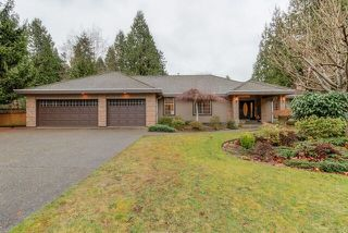 """Photo 2: 3060 NORTHCREST Drive in Surrey: Elgin Chantrell House for sale in """"Elgin Park"""" (South Surrey White Rock)  : MLS®# R2035886"""