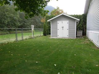 Photo 12: 43 62790 FLOOD HOPE Road in Hope: Hope Center Manufactured Home for sale : MLS®# R2076321