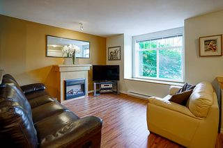 "Photo 3: 61 7488 SOUTHWYNDE Avenue in Burnaby: South Slope Townhouse for sale in ""LEDGESTONE 1"" (Burnaby South)  : MLS®# R2121143"