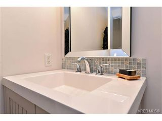 Photo 9: 110 777 Cook St in VICTORIA: Vi Downtown Condo for sale (Victoria)  : MLS®# 746073