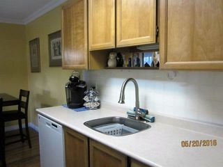 "Photo 3: 209 1444 MARTIN Street: White Rock Condo for sale in ""MARTINVIEW MANOR"" (South Surrey White Rock)  : MLS®# R2145935"
