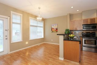 """Photo 6: 20 16588 FRASER Highway in Surrey: Fleetwood Tynehead Townhouse for sale in """"CASTLE PINES"""" : MLS®# R2147549"""