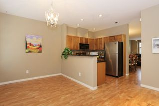"""Photo 5: 20 16588 FRASER Highway in Surrey: Fleetwood Tynehead Townhouse for sale in """"CASTLE PINES"""" : MLS®# R2147549"""