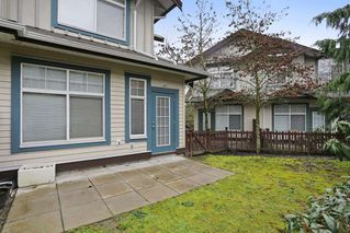 """Photo 12: 20 16588 FRASER Highway in Surrey: Fleetwood Tynehead Townhouse for sale in """"CASTLE PINES"""" : MLS®# R2147549"""