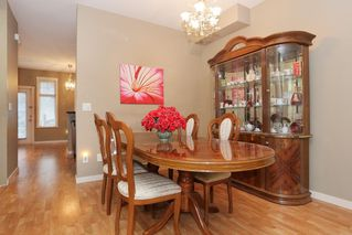 """Photo 4: 20 16588 FRASER Highway in Surrey: Fleetwood Tynehead Townhouse for sale in """"CASTLE PINES"""" : MLS®# R2147549"""