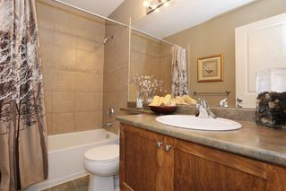 """Photo 11: 20 16588 FRASER Highway in Surrey: Fleetwood Tynehead Townhouse for sale in """"CASTLE PINES"""" : MLS®# R2147549"""