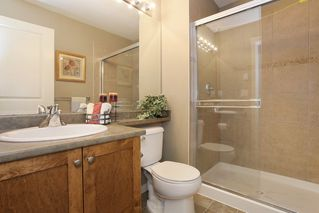 """Photo 9: 20 16588 FRASER Highway in Surrey: Fleetwood Tynehead Townhouse for sale in """"CASTLE PINES"""" : MLS®# R2147549"""