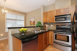 """Photo 7: 20 16588 FRASER Highway in Surrey: Fleetwood Tynehead Townhouse for sale in """"CASTLE PINES"""" : MLS®# R2147549"""