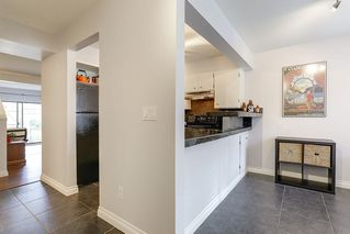 "Photo 3: 29 1141 EAGLERIDGE Drive in Coquitlam: Eagle Ridge CQ Townhouse for sale in ""EAGLERIDGE VILLAS"" : MLS®# R2148692"