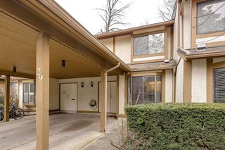 "Photo 2: 29 1141 EAGLERIDGE Drive in Coquitlam: Eagle Ridge CQ Townhouse for sale in ""EAGLERIDGE VILLAS"" : MLS®# R2148692"