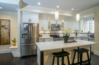 "Photo 5: 4 14877 60 Avenue in Surrey: Sullivan Station Townhouse for sale in ""LUMINA"" : MLS®# R2195431"