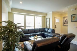 "Photo 2: 4 14877 60 Avenue in Surrey: Sullivan Station Townhouse for sale in ""LUMINA"" : MLS®# R2195431"