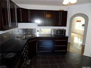 Photo 4: 5300 3rd Avenue in Regina: Rosemont Residential for sale : MLS®# SK706040