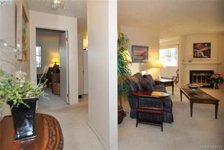 Photo 3: 304 2354 Brethour Avenue in SIDNEY: Si Sidney North-East Condo Apartment for sale (Sidney)  : MLS®# 386172