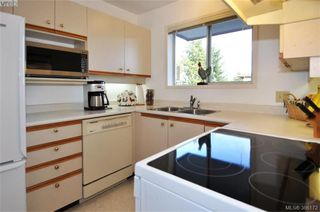Photo 10: 304 2354 Brethour Avenue in SIDNEY: Si Sidney North-East Condo Apartment for sale (Sidney)  : MLS®# 386172