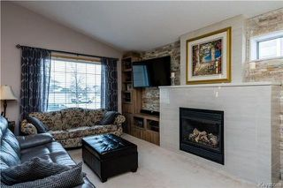 Photo 2: 83 Coombs Drive in Winnipeg: River Park South Residential for sale (2F)  : MLS®# 1801278