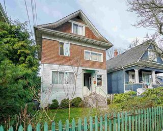 Photo 2: 1339 SALSBURY Drive in Vancouver: Grandview VE House for sale (Vancouver East)  : MLS®# R2246733